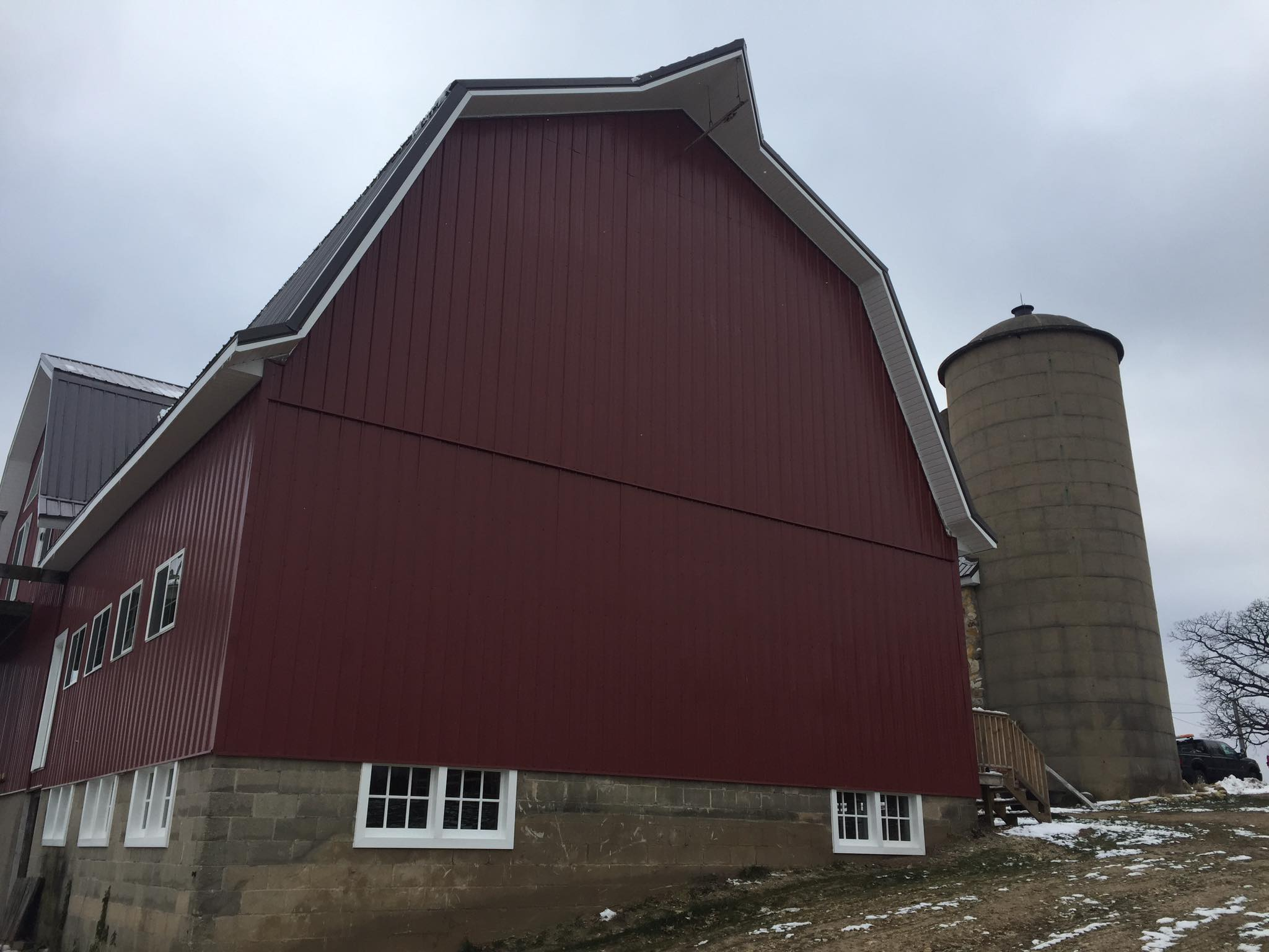 Elegant Metal Barn Roofing Waukasa WI | Henis Contracting Madison WI