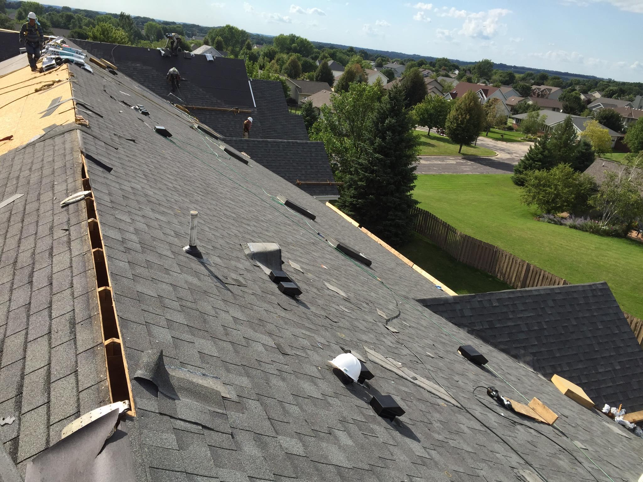 residental-shingle-roof-under-construction